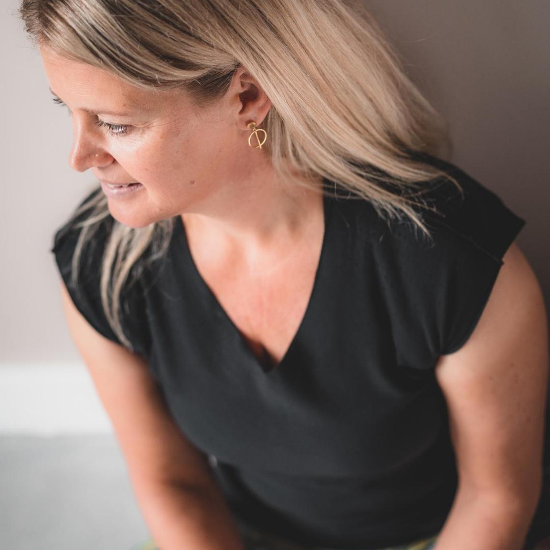 Fieke Klaassen docent Yin Yoga docenten Opleiding.png
